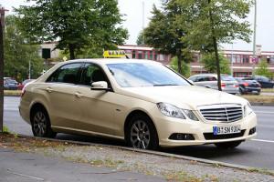 mercedes e class taxi